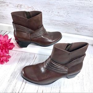 Clarks 'Wish Mood' Brown Leather bendables booties